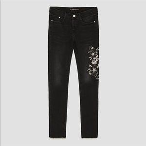 Zara Black Floral Embroidered Raw Hem Skinny Jeans
